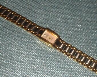 "Armitron ""Diamond Now"" Ladies Wristwatch, Excellent Vintage Condition, Water Resistant"