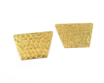 4 trapezoid Pendant 1 hole stamp hammered brass 31mm x 20mm raw. PP-205
