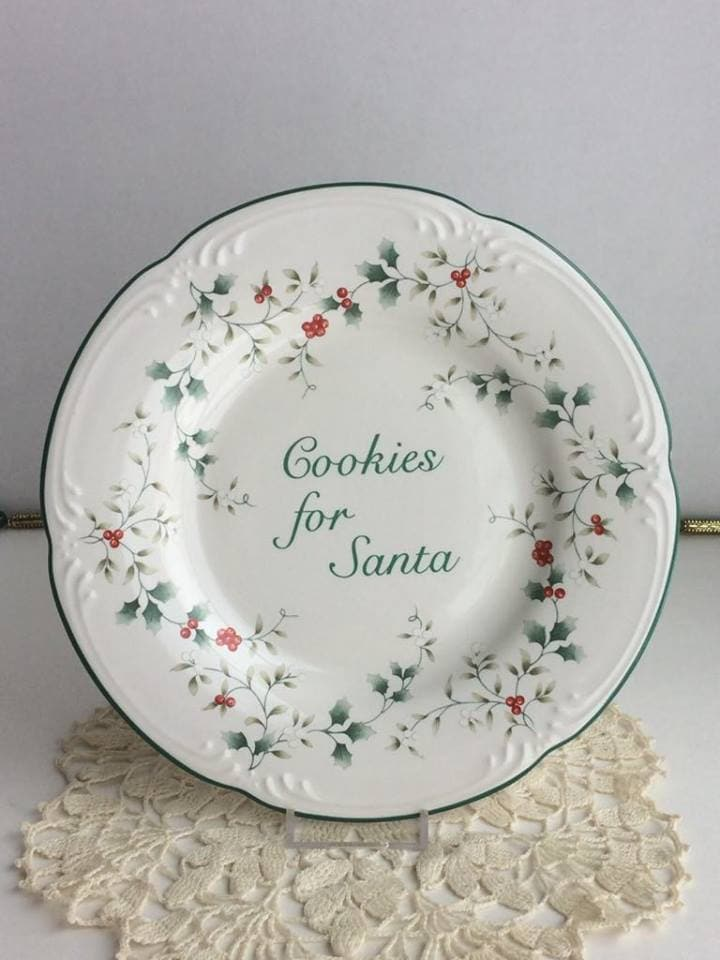 Pfaltzgraff Winterberry Cookies for Santa Plate and Mug Set Holly Berries & Pfaltzgraff Winterberry Cookies for Santa Plate and Mug Set Holly ...