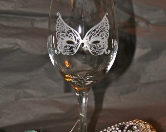 Hand Etched Wine Glass with Masquerade Masks