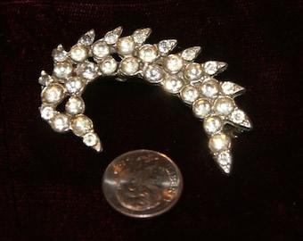 SALE!! Rhinestone Pin Vintage Brooch