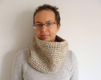 Crochet cowl scarf, women's infinity scarf, beige snood scarf, chunky cowl scarf, neckwarmer, circle cowl