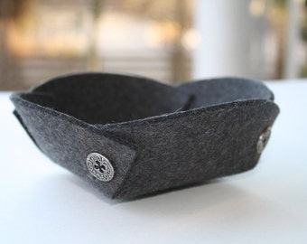 Petite Felt Ring Catcher Bowl 3mm Merino Felted Wool Ring Dish Jewelry Catchall Catch All Green Home Decor Gift for Her