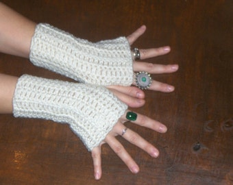 Ivory Dream Fingerless Gloves Texting Gloves. Arm Warmers Handmade crocheted Simple. Hand warmers. Mittens. Victorian Boho Bridal Gloves