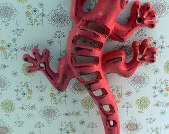 Lizard Gecko Wall Hook Cast Iron Boho Southwest Shabby Elegance Hot Bold Berry Pink Garden Fence Art Coat Jewelry Leash Towel Keys Hook