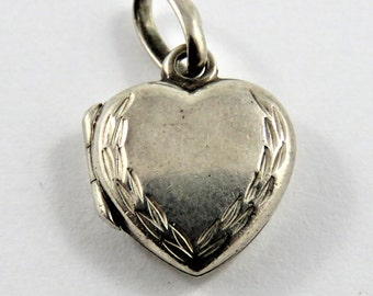 Mechanical Heart Picture Locket Sterling Silver Charm of Pendant.Marked on the Inside.