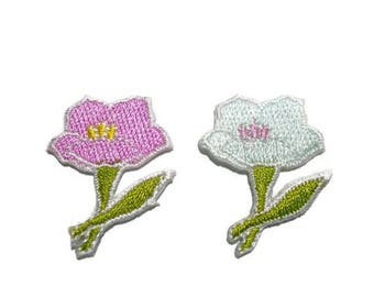 Small Flower Patch - Iron on Applique - Floral Embroidery - Sew on - Taffy Pink, Mild Mint Green, White Trim - 2.5 x 3 cm, set of 2 (f/20-4)