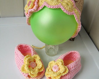 Baby booties, newborn headband, baby gift, pink headband, booties, Children's sandals, crochet headband, girl headband, pink flower, ready.