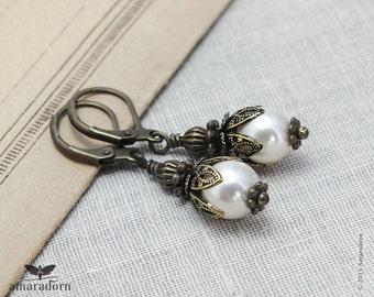 Edwardian Bridal Earings, Cream Pearl Earrings made with Swarovski Crystal Pearls, Antiqued Bronze Vintage Style Earring, Handmade UK
