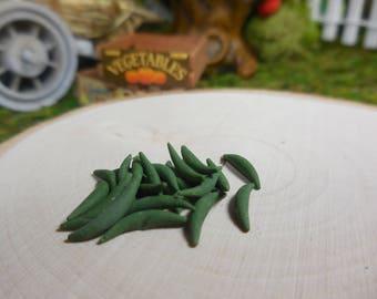 Miniature Garden Green Beans, Tiny String Bean Fairy Garden Accessory, Mini Vegetables Dollhouse & Diorama Supply, Little Fake Food Crafts