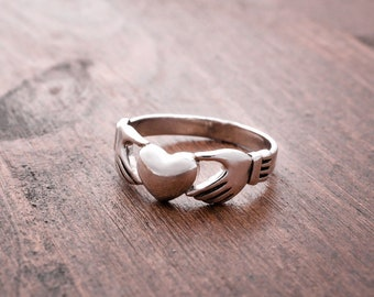 Claddagh ring, Sterling Silver Claddagh Ring, Silver Claddagh,  Silver Heart Ring, Girlfriend, Best Friend, Friendship ring, Unisex ring