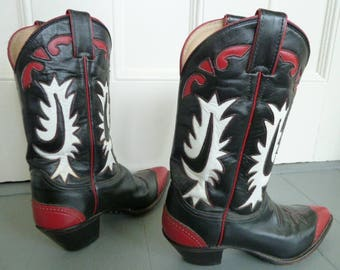 Justin Cowboy boots, size 8 1/2 B  Women's fancy Western cowboy boots