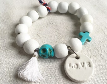 """Bracelet """"White"""" wood beads white and turquoise and white charms"""