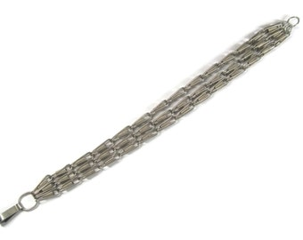 Unusual Vintage Silver Tone Chain Bracelet 7.5 Inches