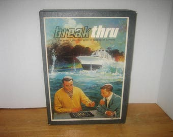 Vintage 1965 BREAK THRU GAME: The Double Strategy Game of Evasion or capture