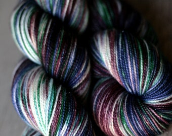 "Sock yarn - 75/20/5 SW Merino/Nylon/Stellina - Autocorrect - ""Birds Of A Fedora"""