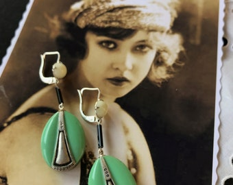 1920 French Antique Vintage Art Deco earrings - green and black crystal and silver decor - Miss Fisher - New old Stock - Flapper