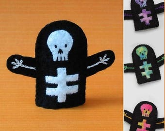 Skeleton Finger Puppet - Select a Color - Felt Skeleton Puppet - Halloween Finger Puppet - Felt Finger Puppet Skeleton - Halloween Puppet