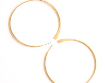 Large Solid 14k gold Hammered Tail Hoops -  round classic minimalist earrings