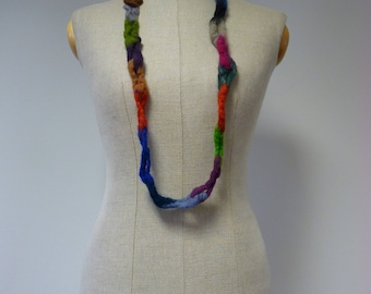 Artsy boho wool chain necklace. Perferct for gift.