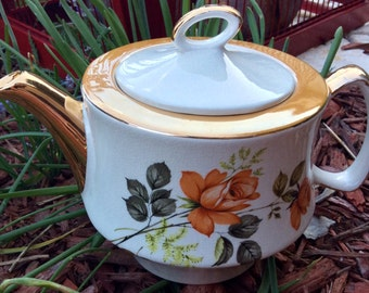 Pretty Vintage Gibsons Teapot With Yellow Roses And Gold