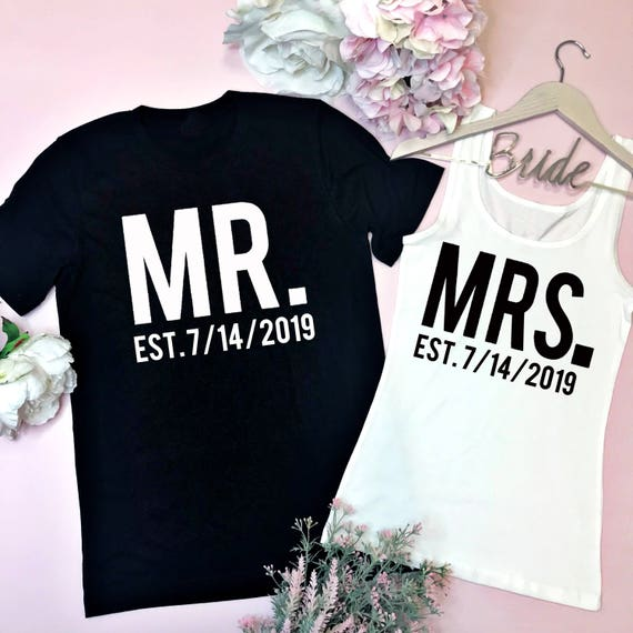 Newlywed Shirts. Mr and Mrs Shirts. Honeymoon Shirts. Mr. and Mrs. Shirt. Bride and Groom Shirts. Wedding Shirts. Bridal Shower Gift. Y0NkSG