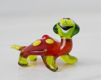 turtle glass figurine, glass sculpture, desk accessory, animal collection, micro figurine, murano glass, stained glass, glass sculpture