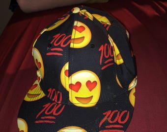 Adjustable emojis hat