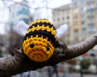 Crochet Bumble Bee / Honey Bee Amigurumi Plush