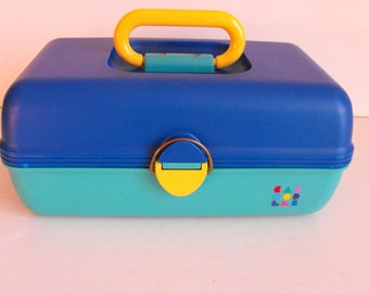 Caboodle Box Model 2602 Teal, Blue and Yellow    (898)