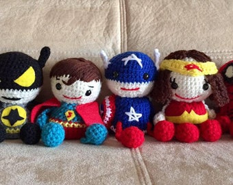 5 Super Heroes crocheted characters