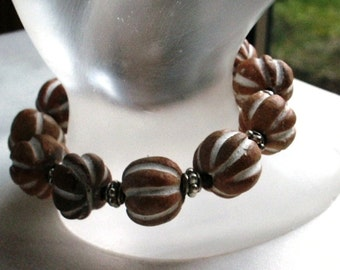 Porcelain Gourd Beads with Pewter Spacers Stretch Bracelet