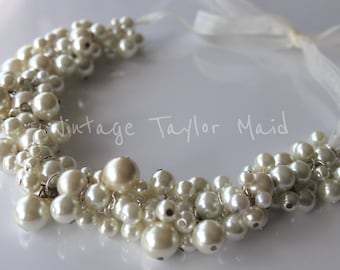 Wedding cluster pearl necklace vintage ivory faux bridal accessory