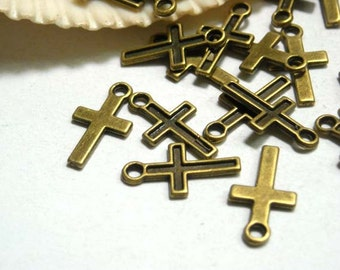20 Antique Bronze Cross Charms - 21-26-2