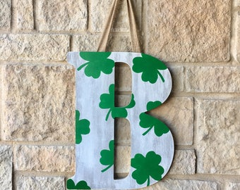 St Patricks Day Wreath, St Patricks Decor, Shamrock Decor, Shamrock Wreath, Front door wreath, irish decor, irish wreath, initial wreath