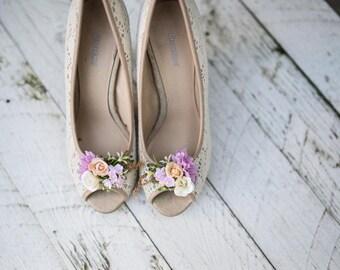 Romantic flower clips Flower shoe clips Wedding flowers Wedding accessories Pastel colors