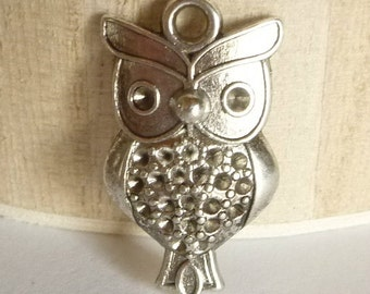 Owl Charms - 2 pcs- Silver Owl Charms - DIY Earrings - DIY Necklace - Rhinestone Owl Setting - Steampunk Owl - Owl Pendant - Halloween