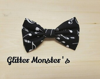 Musical Notes Bow Tie in Cotton, Music Bow Tie, Ring Bearer Tie, Groomsmen Tie, Graduation Bow Tie, Clip on Bow Tie, Musical Wedding