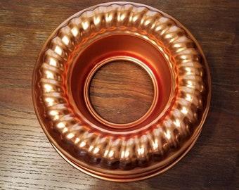 Mirro round copper jello/bake mold.