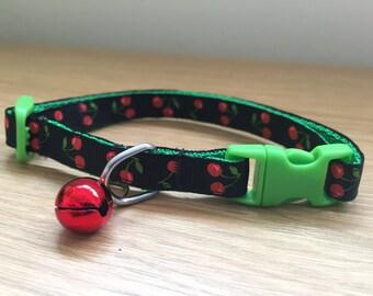 Green and Black Cherries Cat Collar (Quick Release)