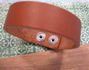 Leather Bracelet in Saddle Tan from Nunn Design