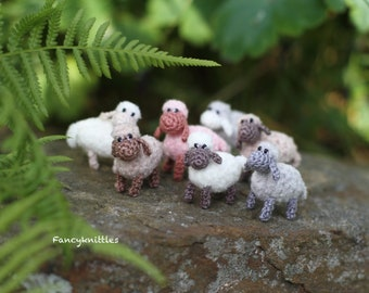 Miniature Sheep Doll, Dollhouse Crochet Toy Pet Animal, Tiny Winy Soft Plush Lamb Collectable Gift for Miniature Lovers, Indoor Fairy Garden