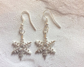Snowflake Earrings, Novelty Earrings, Silver  Earrings, Snowflake Earrings, Winter Earrings, Festive Earrings, Christmas Earrings.