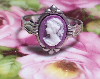Small Cameo Ring
