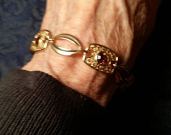 LOVELY Goldtone Bracelet w/ Rhinestones by Sarah Coventry VINTAGE!