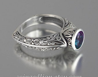 THE COUNTESS silver ring with Alexandrite (sizes 4 to 7)