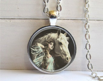 Horse Necklace, Vintage Horse, Horse Lovers Gift, Equine Jewelry