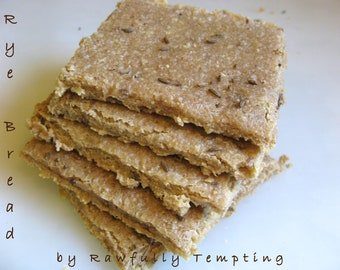 """RECIPE - Jewish """"Rye"""" Bread - Raw Vegan and How to Sprout Kamut"""