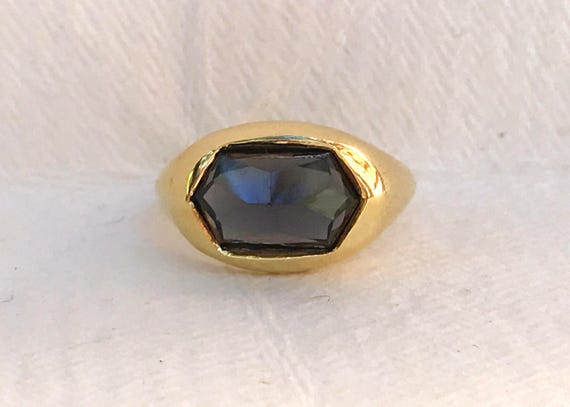 Grey spinel and solid 18k gold unisex ring