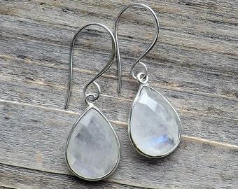 Moonstone sterling silver earrings / Medium moonstone silver earrings / Tear drop moonstones / Pear moonstones / Wedding earrings
